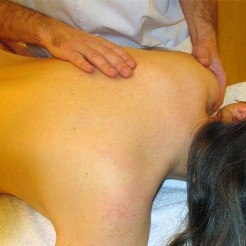 Masaje terapéutico hombro