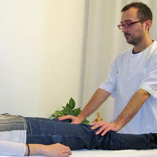 tratamiento reiki rodillas